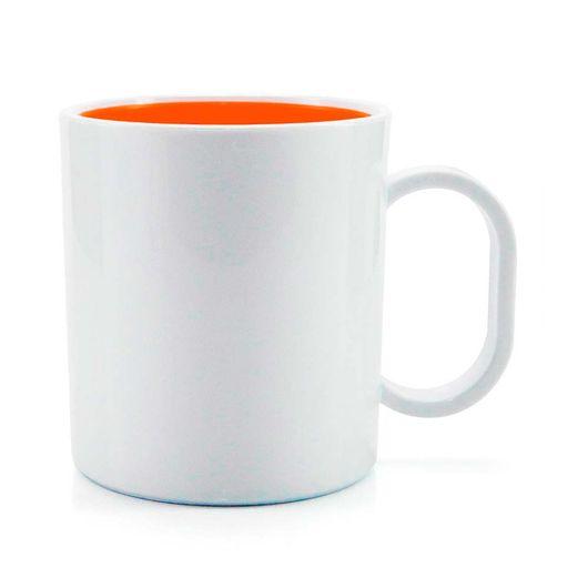 caneca-de-plastico-branco-fundo-laranja