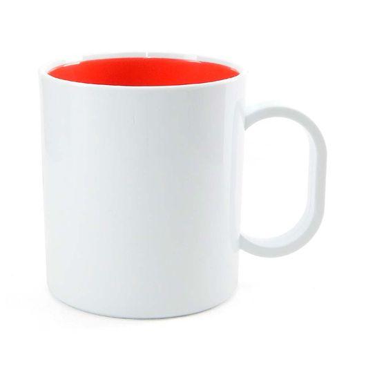caneca-de-plastico-branco-fundo-vermelho