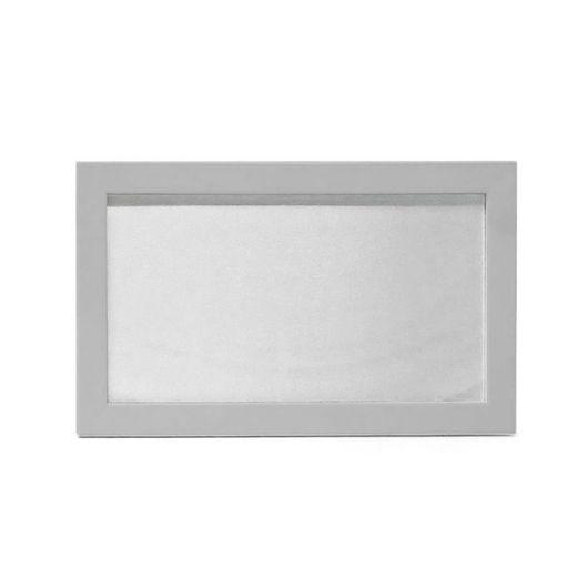 Quadro-de-MDF-com-Tecido-Brilho-Formato-10X19-e-Moldura---Prata-1